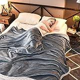 RATEL Manta De Franela Gris 150×200cm, Manta Sofás Mejorada 420GSM, Hecha De100% Microfibre Extra Suave - Fácil De Cuidar- Ligera, Cálida, Cómoda Y Duradera