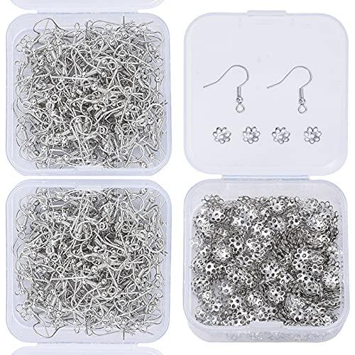 Geoyien kit de ganchos para pendientes, 500 piezas gorras de cuentas de flores y 400 piezas ganchos de alambre para la oreja ganchos para pendientes de pescado con caja suministros hacer pendientes