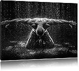 Bodybuilder im Regen, Format: 120x80 auf Leinwand, XXL