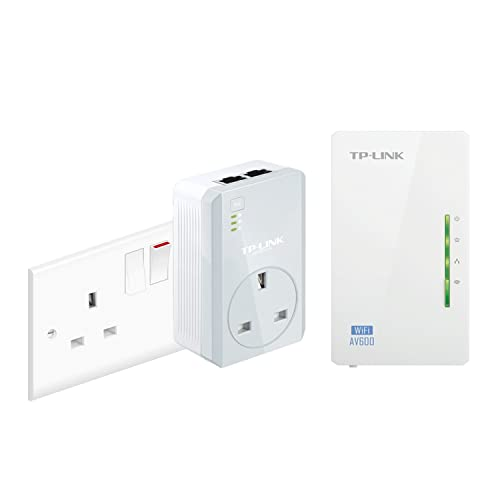 TP-Link TL-WPA4226KIT 2-Port Powerline Adapter WiFi Starter Kit, Range Extender, Broadband/WiFi Extender, WiFi Booster/Hotspot, No Configuration Required, UK Plug