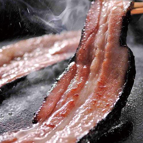 農家のベーコン 切り落とし 1kg 【豚肉】【訳あり】(pr)(60536) 成形するときに切り落とした端材になります