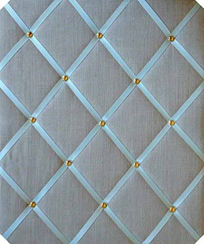 Grand tableau d'affichage en lin bleu canard avec rubans croisés et clous dorés 40 x 48 cm