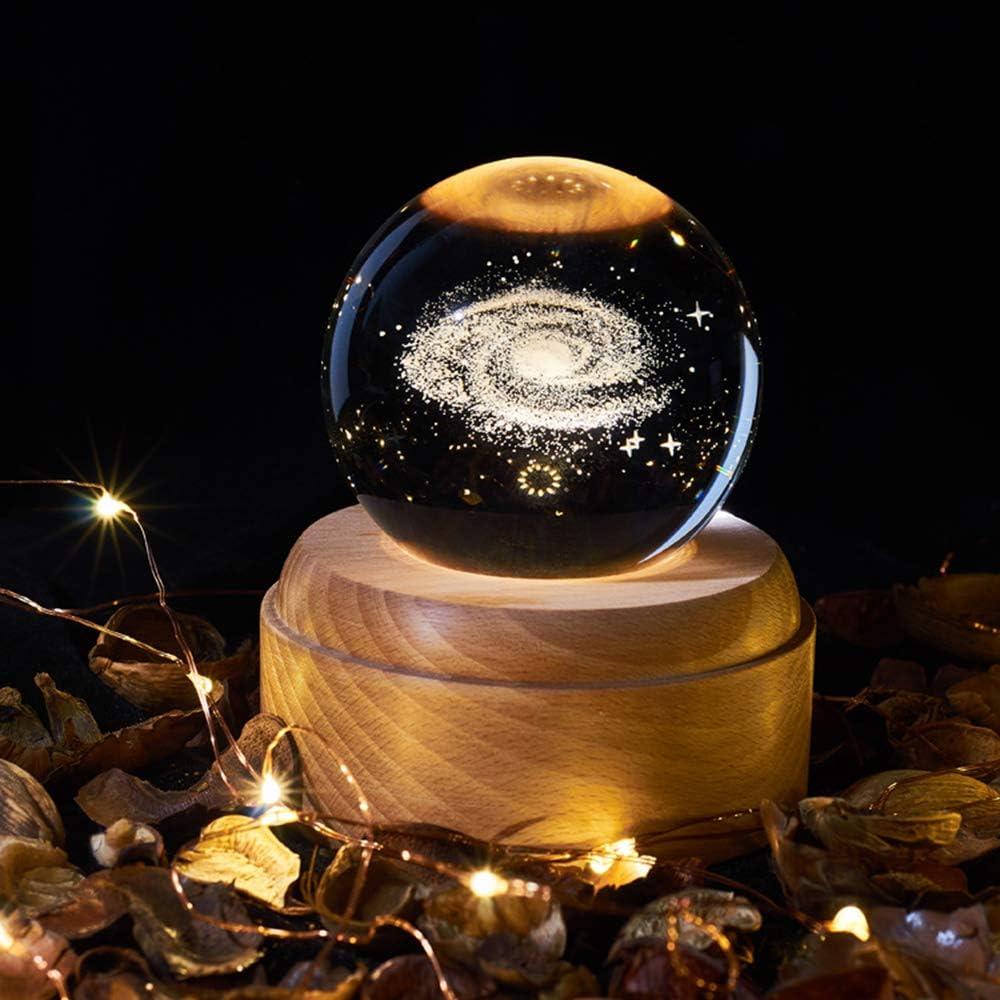 Youool Caja de música giratoria de cristal con base de madera con luz de proyección LED, luz nocturna musical USB recargable, patrones de universo/luna/galaxia/tierra