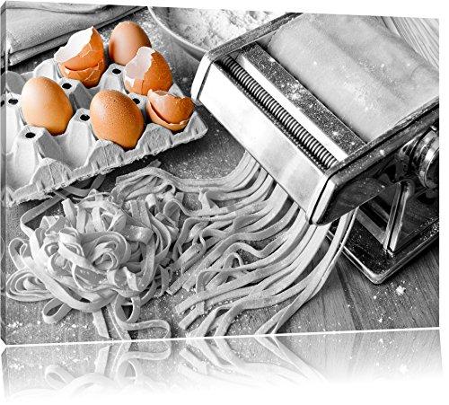 Nudelmaschine mit Eiern schwarz/weiß Format: 120x80 auf Leinwand, XXL riesige Bilder fertig gerahmt mit Keilrahmen, Kunstdruck auf Wandbild mit Rahmen, günstiger als Gemälde oder Ölbild, kein Poster oder Plakat