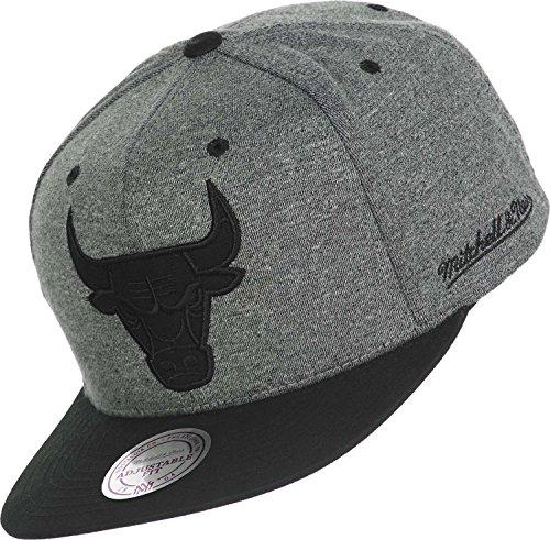 Mitchell & Ness Herren Snapback Cap Sidewalk Chicago Bulls grau grau Verstellbar