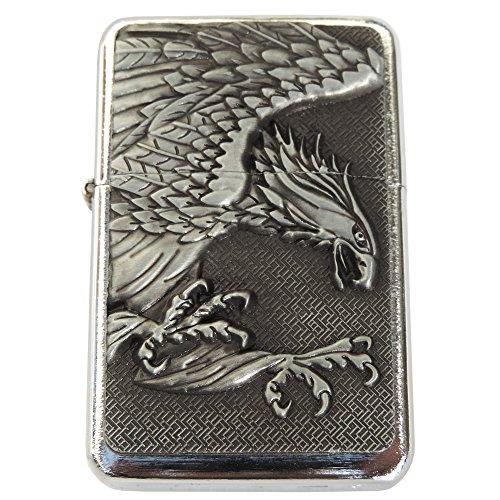 Robustes Benzinfeuerzeug mit einem schönen aufgesetzten Adler Emblem. Mit SOFOGRAVUR + VORSCHAU: Gravur des Vornames auf der Rückseite inklusive