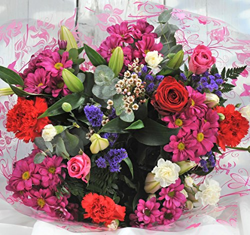 Homeland Florists Superb Mixed Fresh Flower Bouquet with a Single Large Naomi Velvet Rose at its Heart, Red, S