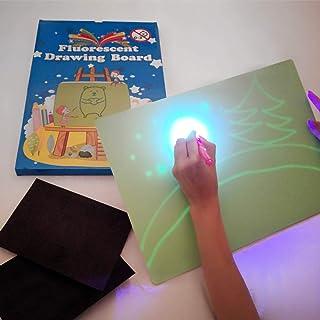 iLight - Nueva Pizarra Infantil Mágica de Dibujo con Luz - Juego de Pintar para Niños Niñas de 3 a 9 años Fomenta la Creatividad - Incluye Tablero + 1 Bolígrafo de Luz + 2 Plantillas [Tamaño A4]