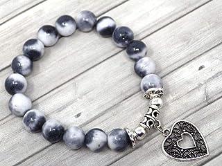 Bracciale da donna in giada con perle colorate in nero bianco e grigio con pendente in filigrana a forma di cuore