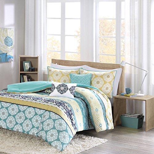 Intelligent Design Cozy Comforter Set Casual Boho Pieced Design, Modern All Season Bedding Set with Matching Sham, Decorative Pillow, Full/Queen, Arissa Green/Yellow 5 Piece (ID10-752)
