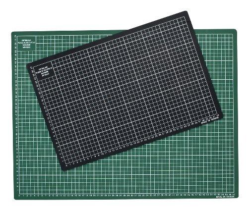 JPC Plaque de découpe 450x300x3mm Résistante à la coupe surface quadrillée Vert/Noir