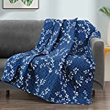 Exclusivo Mezcla Microfiber Quilted Throw Blanket, Gradient Flowers Pattern Throw Blanket for Bed/ Couch/ Sofa, Soft and Lightweight (50'x 60',Navy)