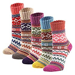 If you are on a budget but still want to make your loved one happy then this set of beautiful vintage socks is for you. This warm gift will definitely put a smile on her face and she'll appreciate your efforts.
