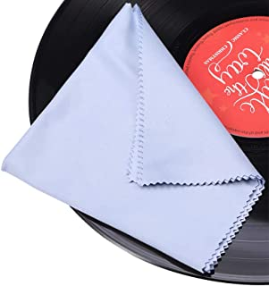 Pulizia dei dischi in vinile con panno antistatico