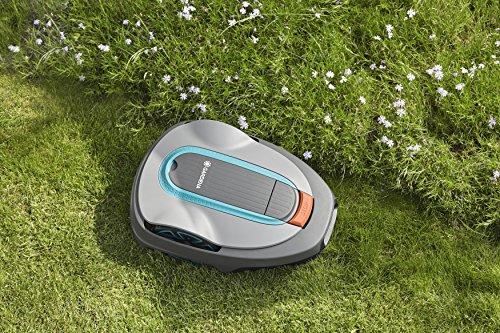Gardena Sileno city: Mähroboter bis 500 m² Rasenfläche, Steigungen bis 25%, Schnitthöhe 20 - 50 mm, LCD Display, Diebstahlschutz, inkl. Begrenzungskabel, Haken und Verbinder (15002-20) - 4