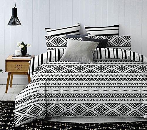 DecoKing Premium Bettwäsche 4tlg 2 x Bettbezug 155x220 cm mit 2 Kissenbezügen 80x80 weiß schwarz Microfaser geometrisches Muster Hypnosis Oslo