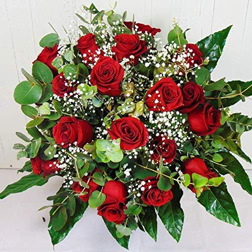 18 rosas rojas frescas de la mejor calidad, tallo largo y capullo grande. Entregamos de lunes a sábado. Sólo días laborales, no festivos. NO DOMINGOS. Para entregas en LUNES, es necesario realizar el pedido antes del sábado a las 10h. Haz tu pedido a...