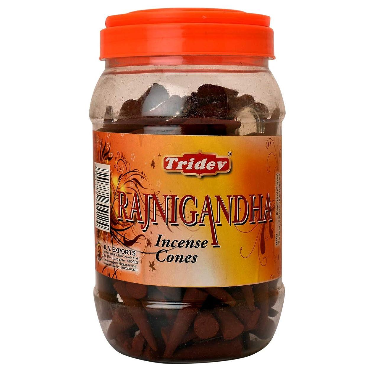 汗モーテル砂利Tridev Rajnigandha Incense Cones Jar 500グラムパック