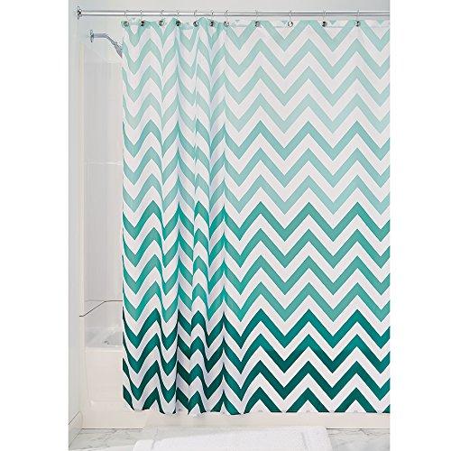 iDesign Ombre Chevron Textil Duschvorhang | 183 cm x 183 cm Vorhang aus Stoff mit Zickzackmuster | pflegeleichte Duschabtrennung für Badewanne und Duschwanne | Polyester grün