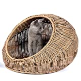 D+GARDEN Wicker Cat Bed Dome for Medium Indoor Cats - a Covered Cat Hideaway Hut of Rattan Houses Pets in Dome Basket, Washable