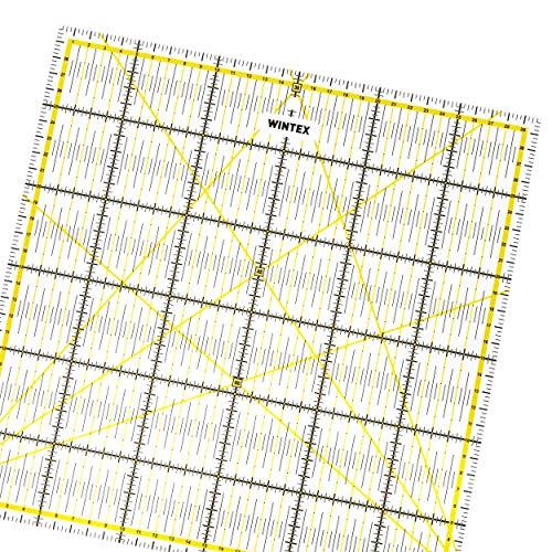 WINTEX Universal-Lineal 30 cm x 30 cm, transparent, 2-farbiger Druck mit cm-Raster und Winkelanzeige in 30°/45°/60°- Rollschneider-Lineal, Patchwork-Lineal, Bastel-Lineal – ideal zum Nähen und Basteln