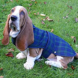 Suitable for Basset Hound, Boxer, Springer Spaniel, etc. Measures 50 cm/20 inches (between neck and base of tail). Shower-proof. Fleece lining. Available in other sizes in separate listings. Available in Black Watch (blue/green) tartan in separate li...