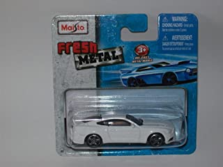 Maisto Fresh Metal Die-Cast Vehicles ~ 1998 Dodge Viper GTS (Yellow)