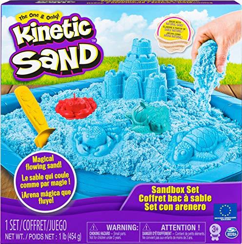 Kinetic Sand Sand Box Set mit blauem Kinetic Sand, 3 Förmchen und Schaufel