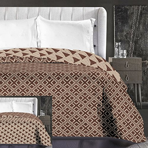 DecoKing 86650 Tagesdecke 240 x 260 cm beige Cappuccino braun Schoko Bettüberwurf zweiseitig leicht zu pflegen geometrisches Muster Brown Chocolate Hypnosis Collection Triangles