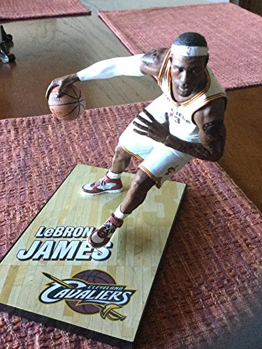 McFARLANE NBA SERIES 26 LEBRON JAMES CLEVELAND CAVALIERS ACTION FIGURE