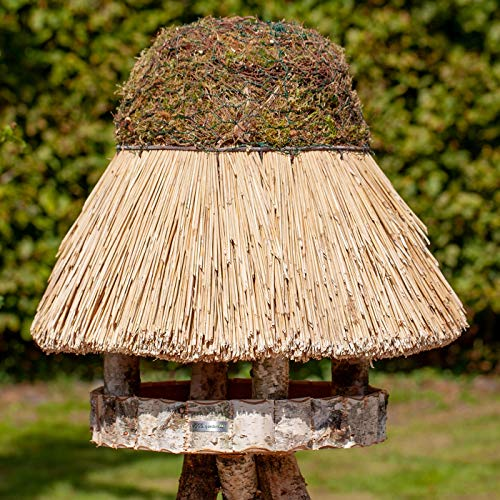 VOSS.garden Vogelvilla Föhr mit Reetdach, Naturbelassene Birke 44cm große Futterplatte, Vogelhaus Vogelfutterstation Futterhaus Vogelhäuschen Futterstation