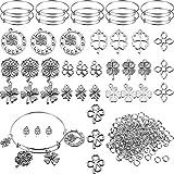 43 colgantes de trébol de cuatro hojas de plata surtidos con brazalete expandible ajustable pulseras de alambre para manualidades de San Patricio, 200 anillos abiertos extra