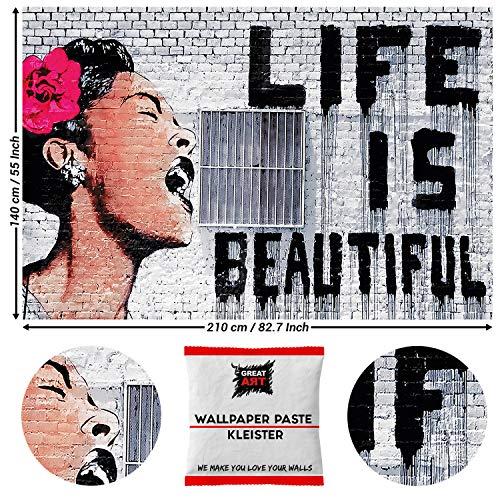 GREAT ART Papel tapiz fotográfico Decoración de pared Arte Banksy - La vida es bella Mural Moderno 210 x 140 cm - Papel tapiz 5 piezas incluye pasta