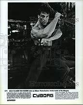 Historic Images - 1988 Press Photo Jean-Claude Van Damme as Gibson Rickenbacker in Cyborg