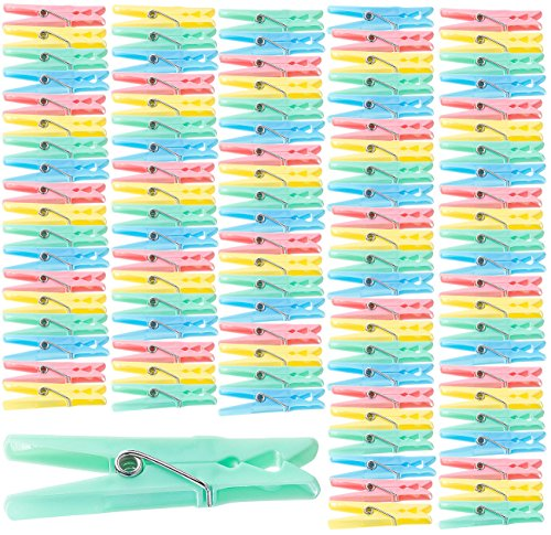 PEARL Klammern: Bunte Wäscheklammern aus Kunststoff, 100 Stück in 4 Farben, 7 cm (Wäscheklammern-Sets)