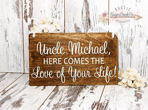 Norma Lily hier Kommt die Liebe von Your Life Wedding Schilder Flower Girl Ring der Schild Hier Kommt die Braut Spaß Schilder