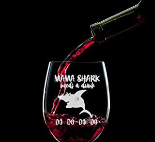 Toshiy Wine Glass Mama Shark Novelty Wine Glasses for Women with Sayings Funny Shark Gifts for Mom Mother Friends Mother's Day Gift