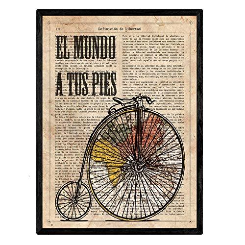 Nacnic Stampa Artistica Vintage, Collage Sfondo Vecchio Foglio di Giornale con su Scritta la Definizione di libertà in Lingua Spagnola, rappresentazione di Bicicletta d'Epoca.