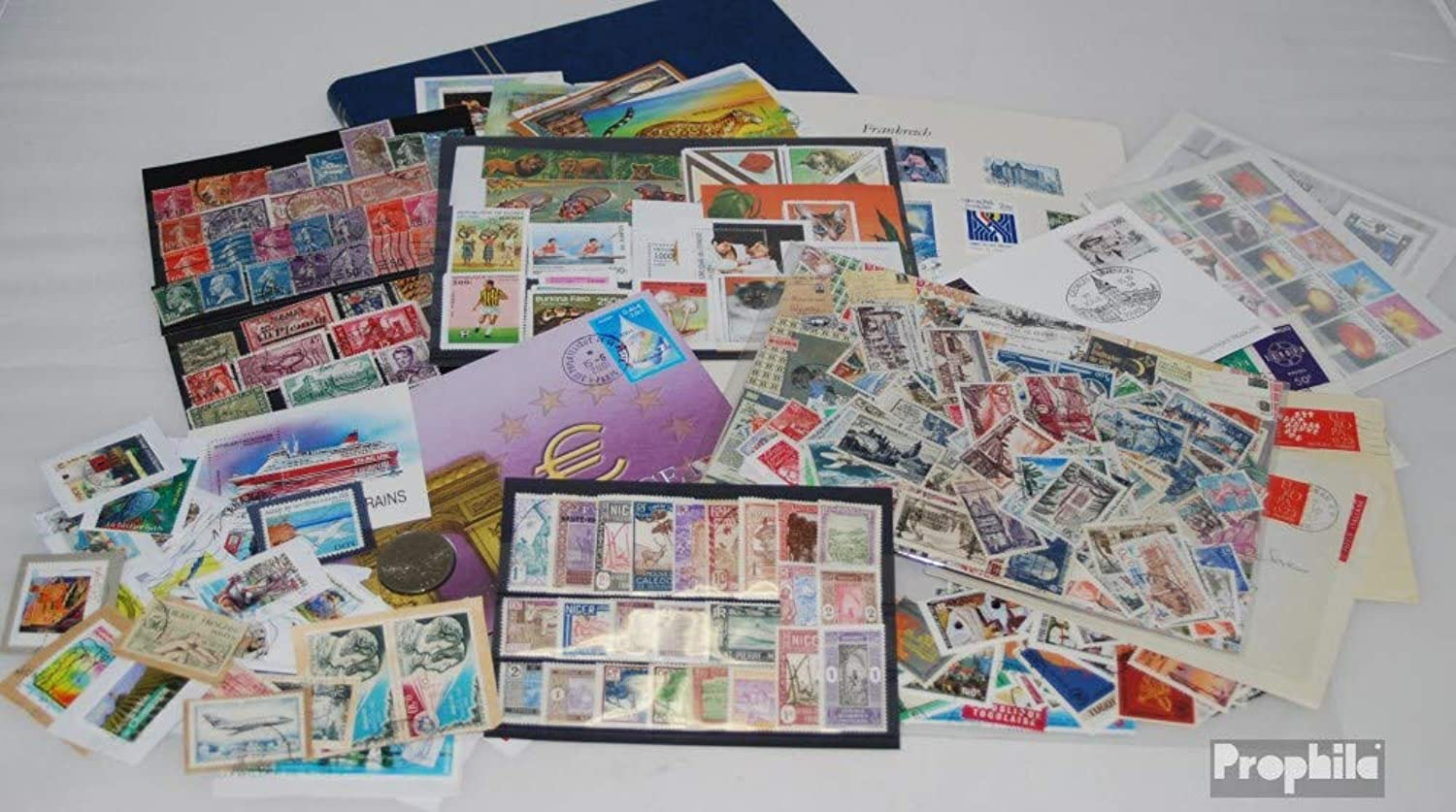 France Treasure Chest number. 208 (Stamps for collectors)