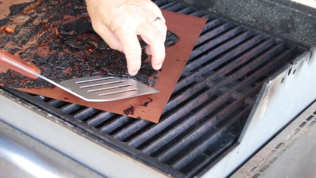 Martinimble BBQ Mesh Grill Mat Non Stick Grilling Mat for Outdoor Picnic Camping