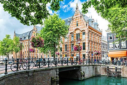 Jochen Schweizer Geschenkgutschein: Städtetrip Amsterdam mit Grachten-Bootstour für 2 (2 Tage)