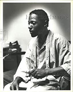 Vintage Photos 1979 Press Photo Tommy Lee Hines in Prison garb - abna32617