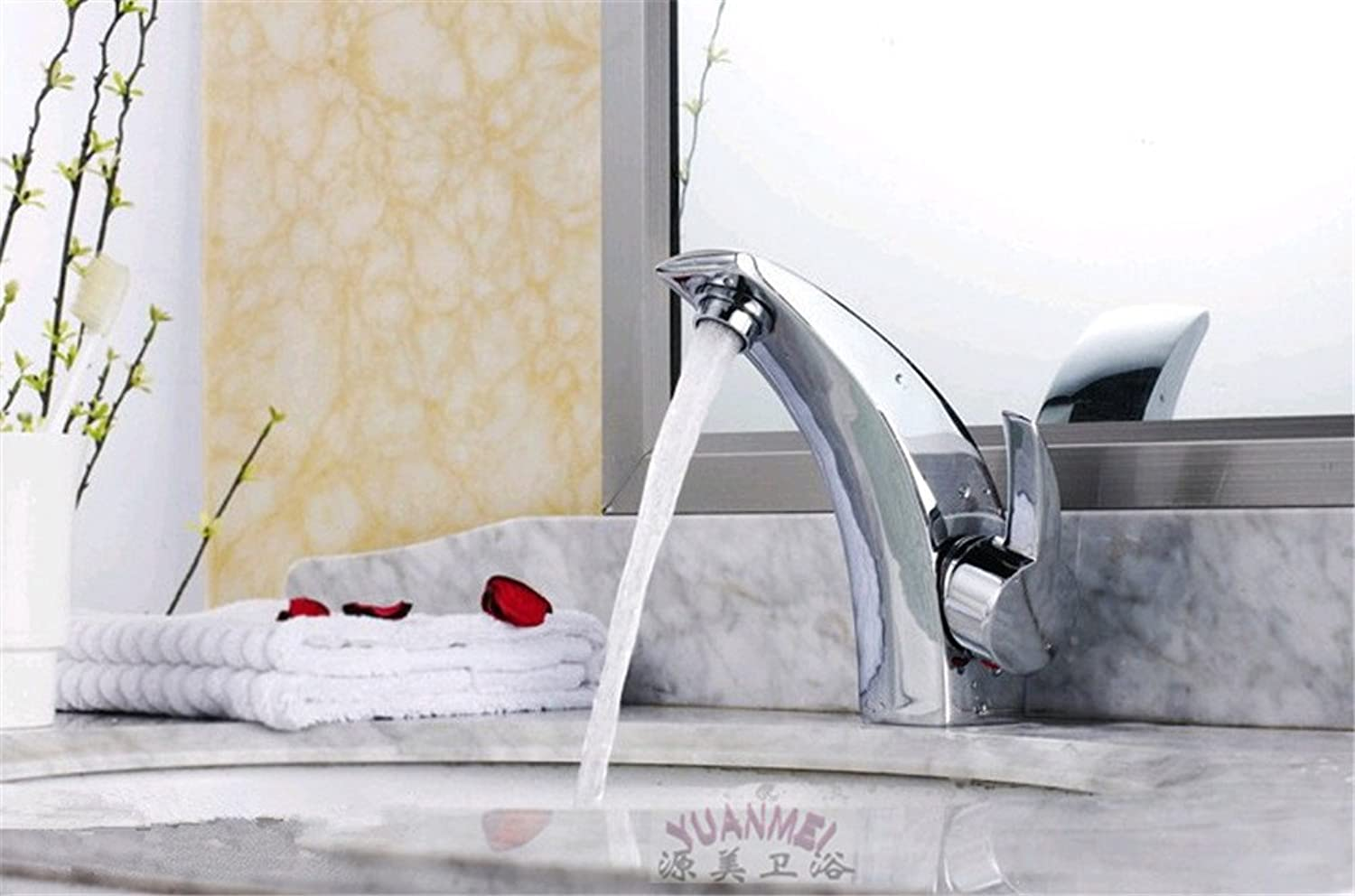 Hlluya Professional Sink Mixer Tap Kitchen Faucet The copper material single handle single hole hot and cold basin faucet Bathroom Faucet