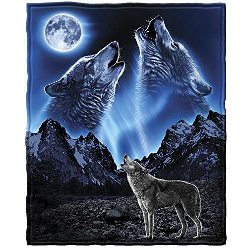 Dawhud Direct Wolves Howling Moon Super Soft Plush Fleece Throw Blanket
