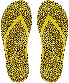 c07465098 Amazon.com  Yellow - Flip-Flops   Sandals  Clothing