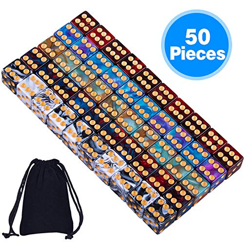 SIQUK 50 Stück Würfel 16mm Zweifarbige Bunte Würfel mit Gold Punkten für Tenzi Farkle Yahtzee Bunco oder Unterrichtsmathematik