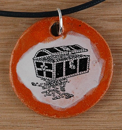 Echtes Kunsthandwerk: Schöner Keramik Anhänger mit einer Schatzkiste; Pirat, Schatzkarte