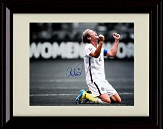 Framed Abby Wambach Autograph Replica Print - Background Black and White Kneeling