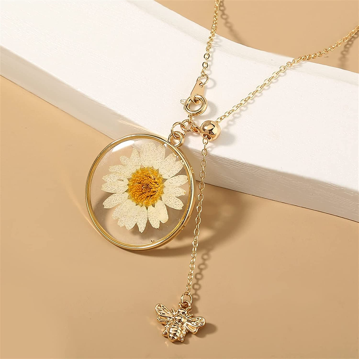 Necklace, Small Daisy Flower Bee Pendant Necklace Dried Flower Round Heart Shaped Glass Necklace for Women Party Dry Flower Jewelry (Metal Color : NC21Y0051)