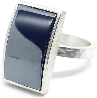 Elegante anello da uomo (o no!) totalmente forgiato a mano in argento sterling con brillante pirite nera a taglio baguette...
